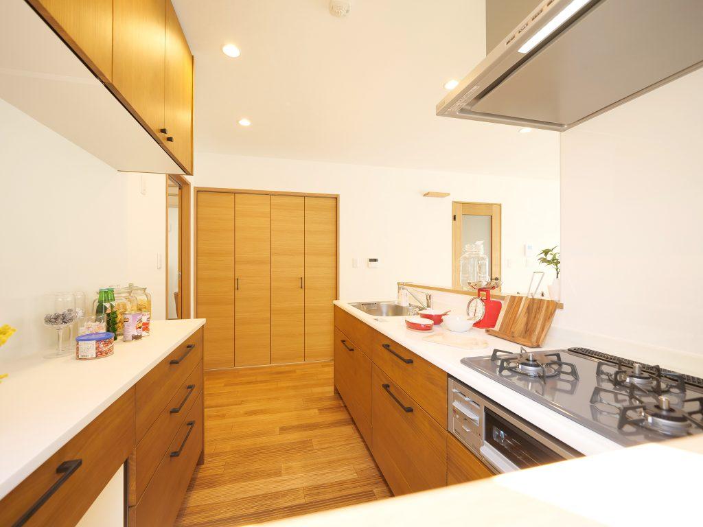 砂川 WOODBOX LOSPA キッチン