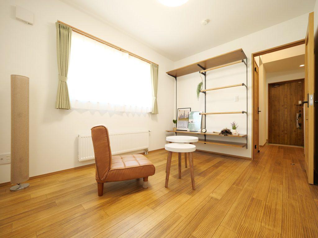 砂川 WOODBOX LOSPA 寝室